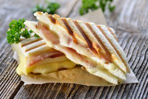 Toasted Ham and Maasdam Pan Sandwich recipe